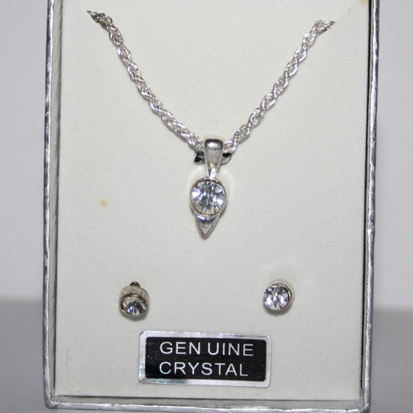 Beautiful silver and crystal necklace and earrings